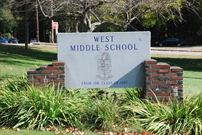 West Middle 2009 023_thumb.JPG